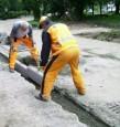 Kladenie obrubníkov na betón